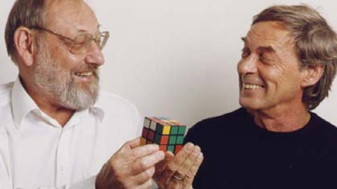 Tom Kremer és Rubik Ernő a kockával.
