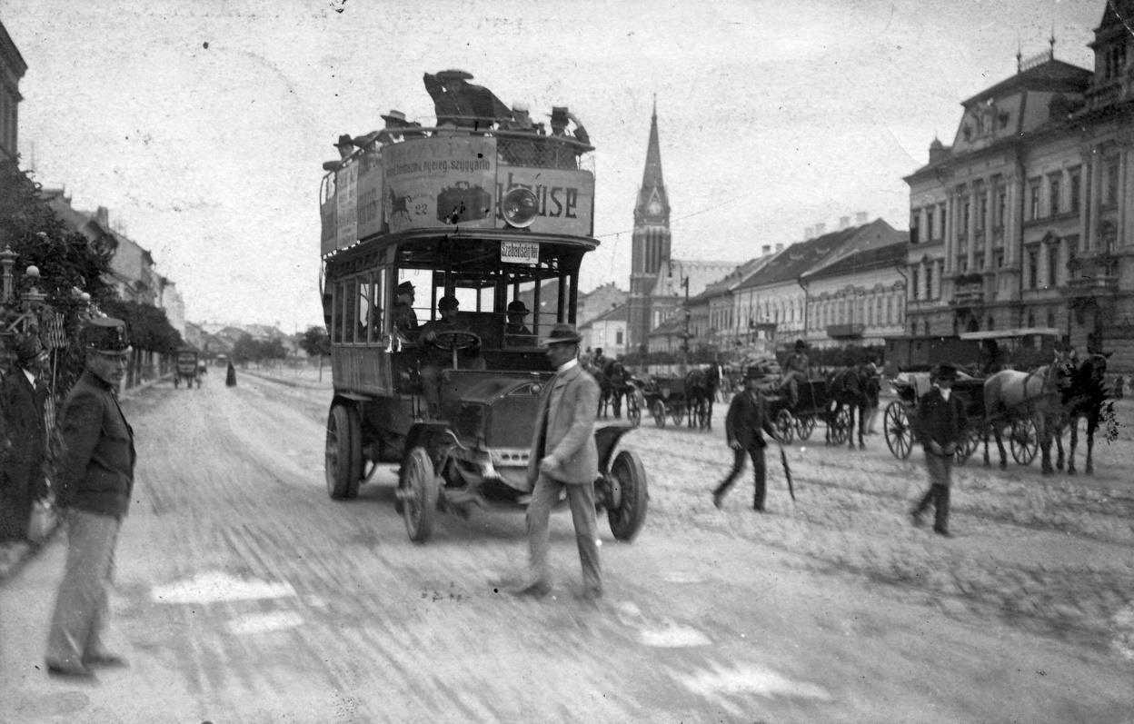 Emeletes autóbusz Aradon 1915-ben
