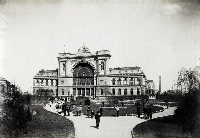 A Keleti Pályaudvar 1884-ben épült, a MÁV központi budapesti pályaudvara