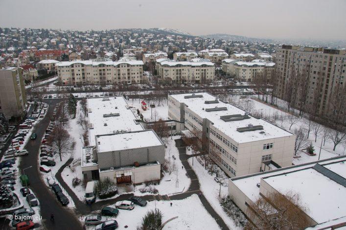 A Csikihegyek utcai Általános Iskola épülete Gazdagréten.